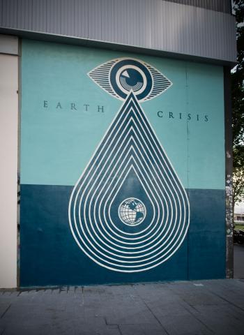 Shepard Fairey, Delicate Balance Street-Art in Paris